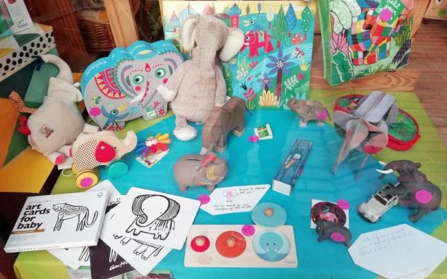jouets, jeux, éléphant