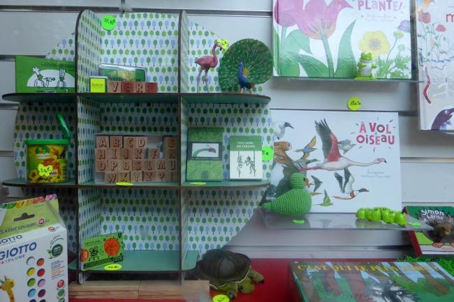 courte-echelle-vitrine-vert-nature 028.JPG