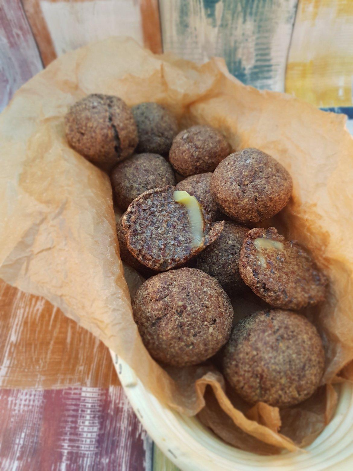 Chifle LCHF cu  făină din semințe  de in
