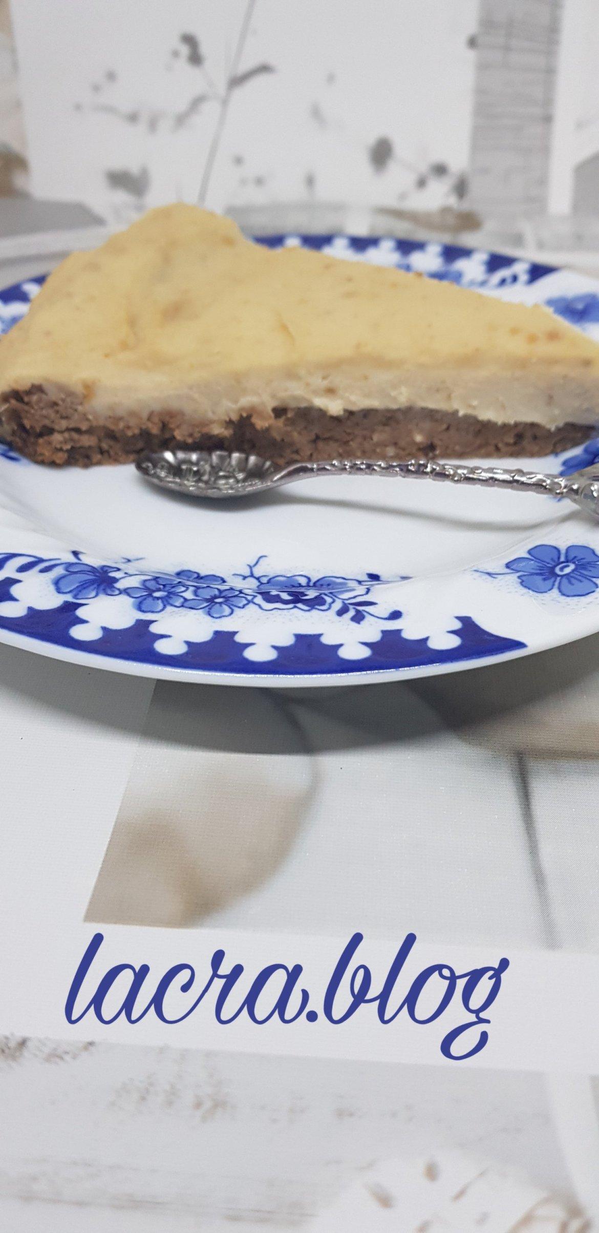 Plăcintă keto de biscuite cu caramel (de post)