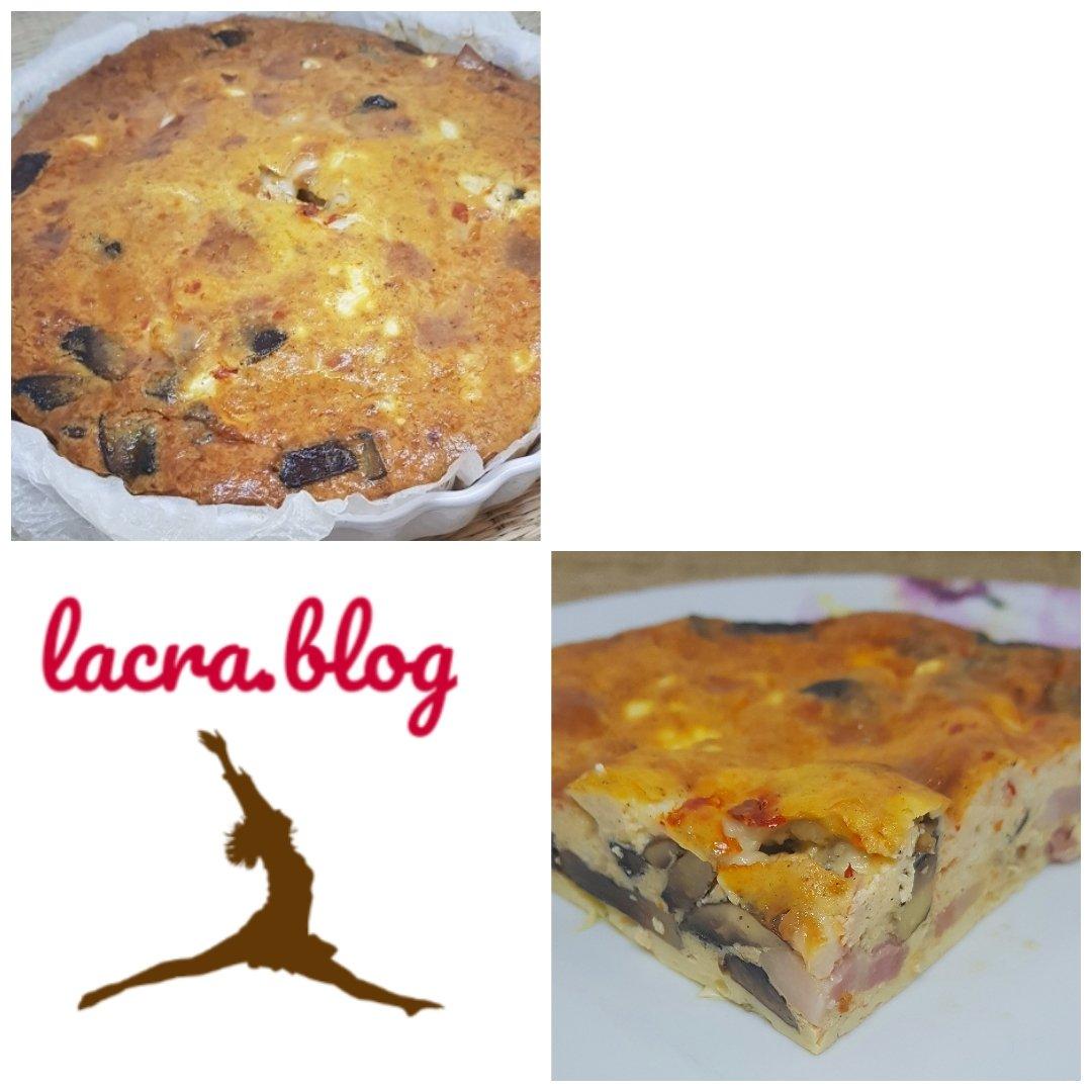 Quiche keto Lorraine (  fără crustă ) cu brânză de capră, bacon și ciuperci