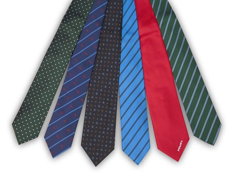 soñar con corbata