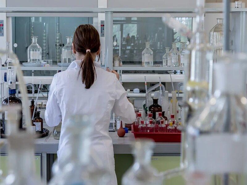 soñar con laboratorio
