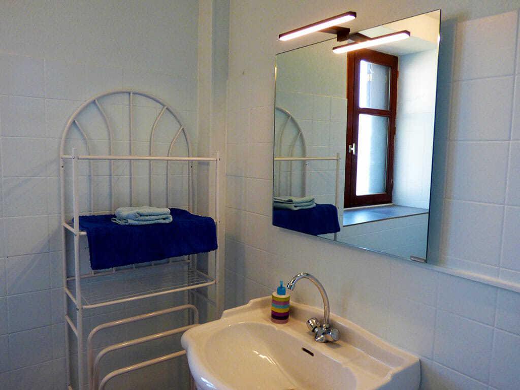 Voltaire bathroom