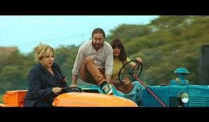 La carrera de los tractores, uno de los grandes momentos del film