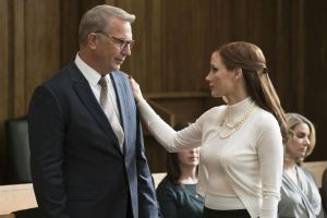 Kevin Costner y Jesscia Chastain en MOLLY´S GAME