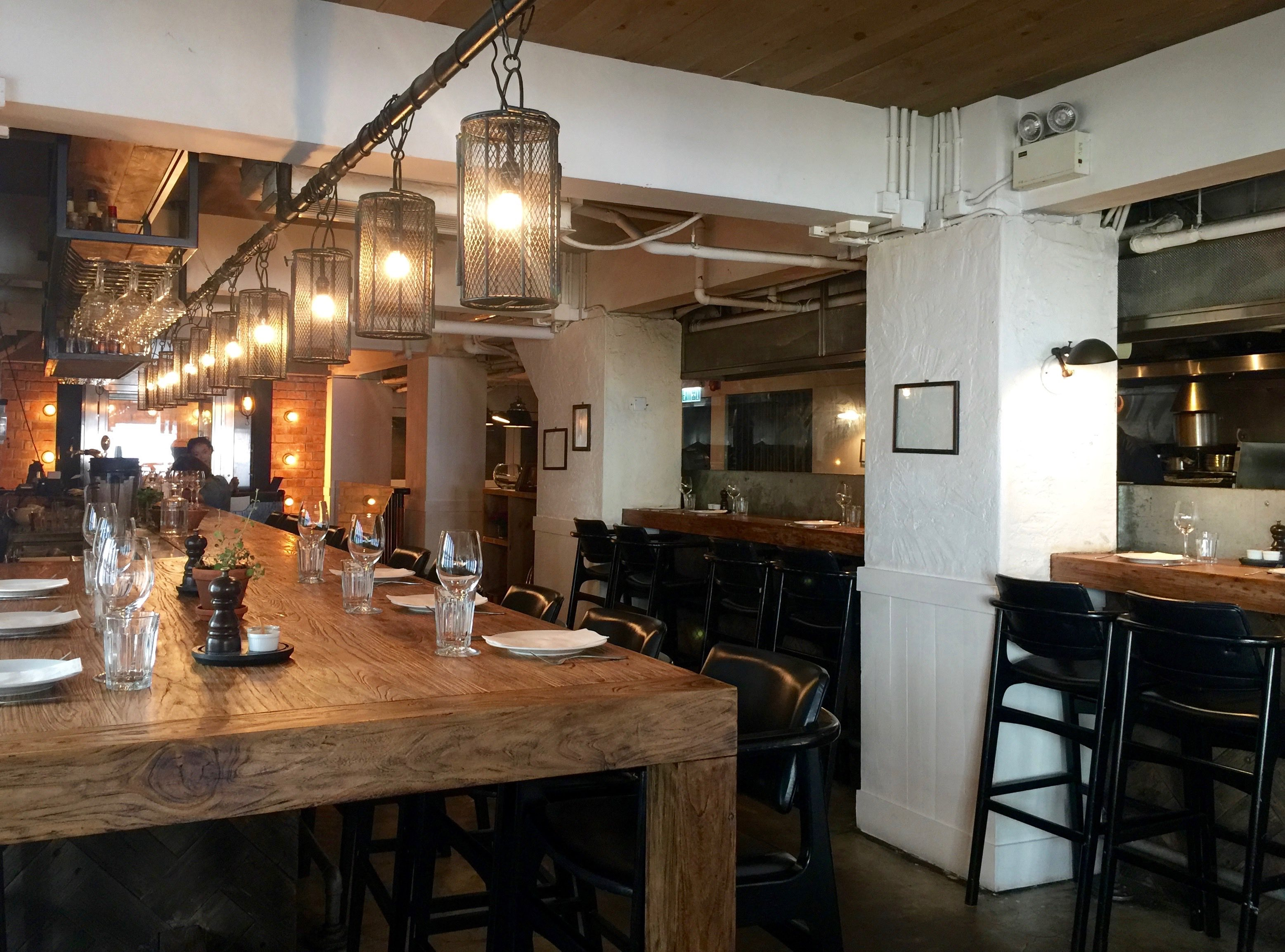 HK Central restaurant for sale with fully equipped kitchen and bar