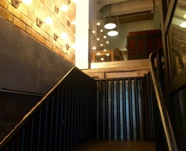 HK Central turnkey restaurant for lease with private staircase access on street level