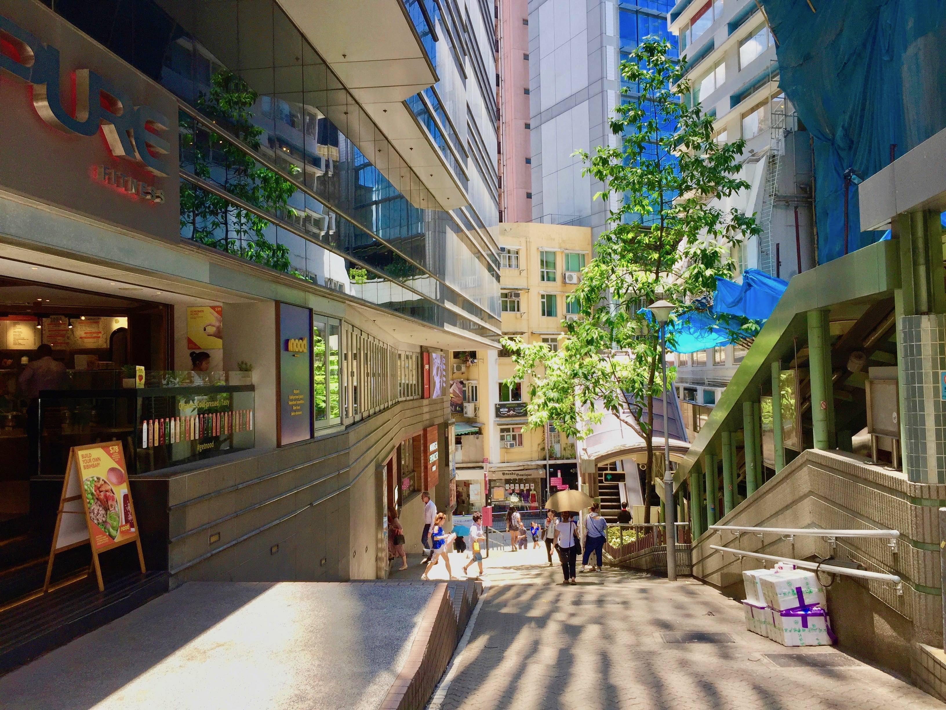 Hong Kong Central High ceiling restaurant space for lease on Shelley Street