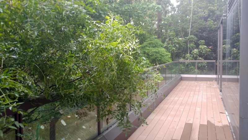 Hillwood Road restaurant space to let with long balcony - Tsim Sha Tsui, HK