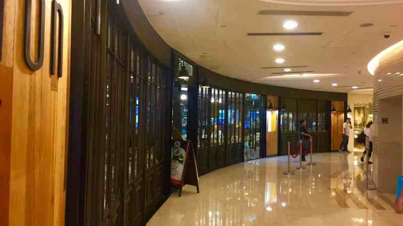 Hong Kong Wan Chai FnB Shop for Lease inside a huge commercial building