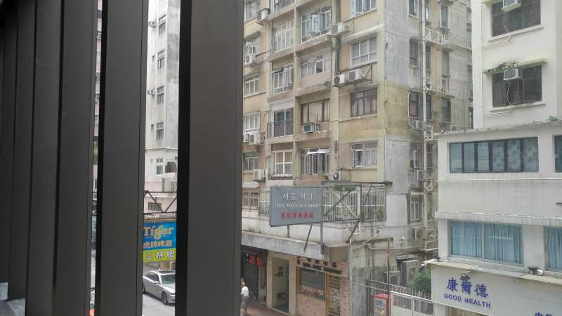 Wide window frontage FB shop for lease in Hillwood Road, Tsim Sha Tsui, HK