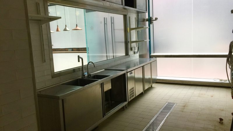 HK Causeway Bay high-ceiling wide shopfront cafe space for rent