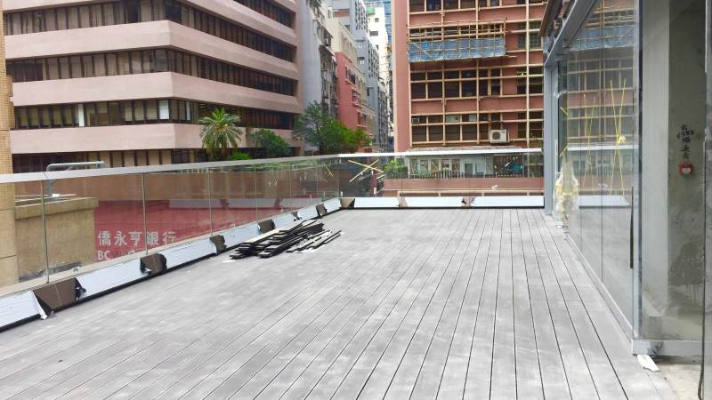 Huge Terrace F&B Shop Space for Lease in Central HK