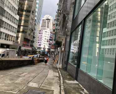 Wide Window FB Shop For Lease in Sheung Wan HK