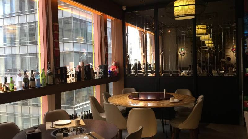 High-ceiling fitted restaurant for Lease in Causeway Bay HK