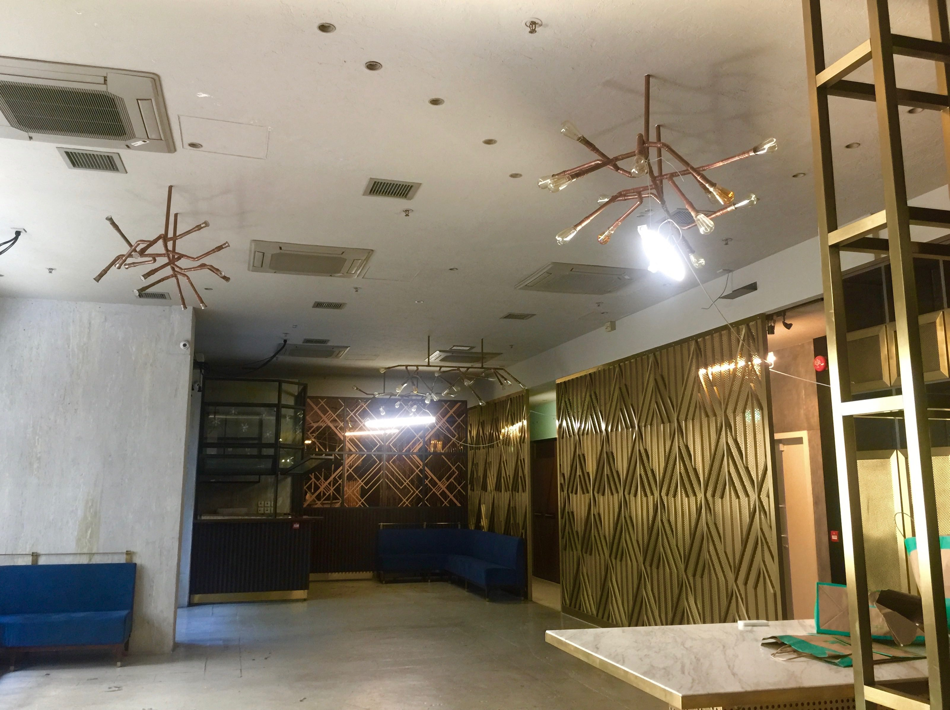 High-ceiling Fitted Restaurant Bar for Rent Wanchai HK