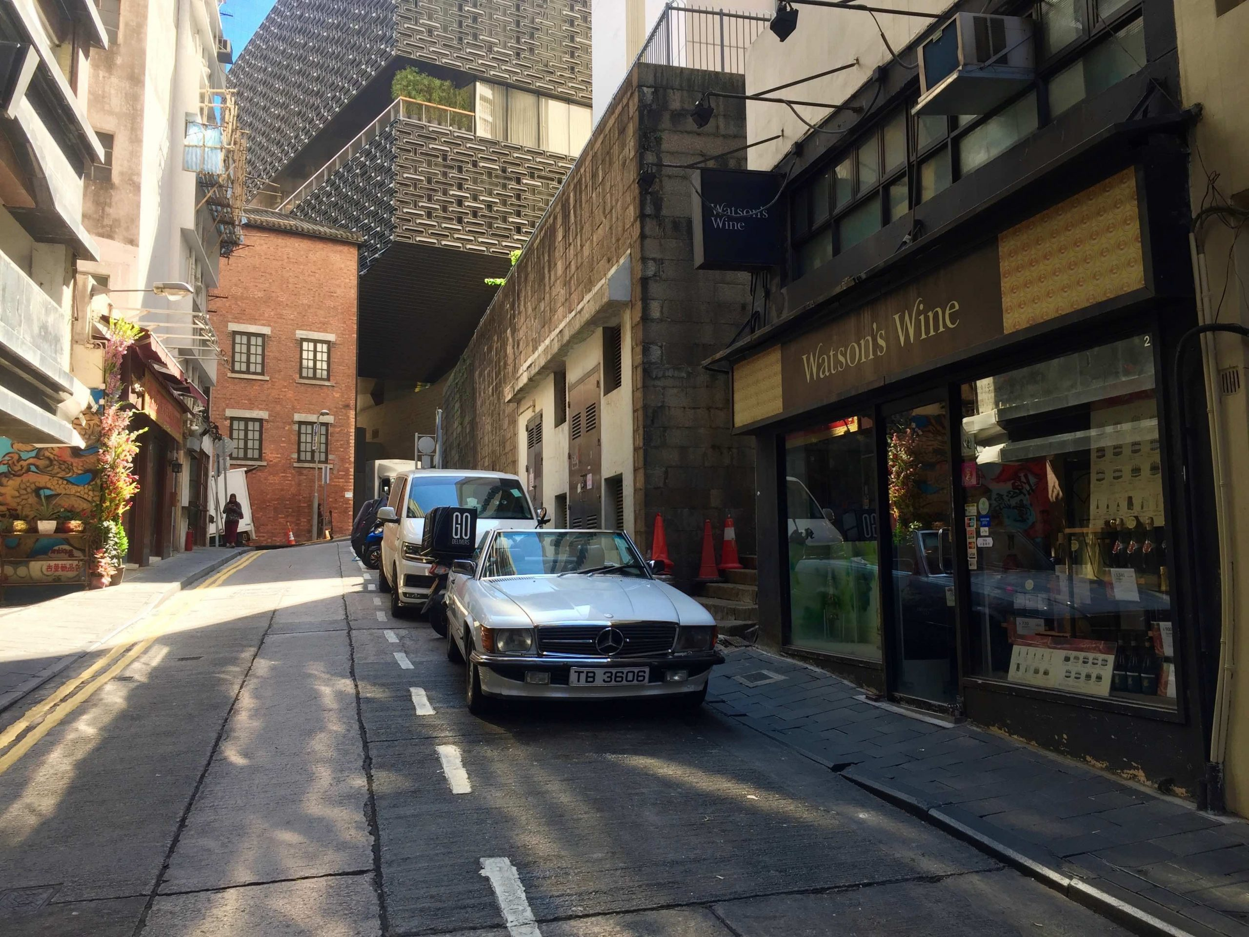 Soho Staunton Street Bar Space for Lease in Central HK