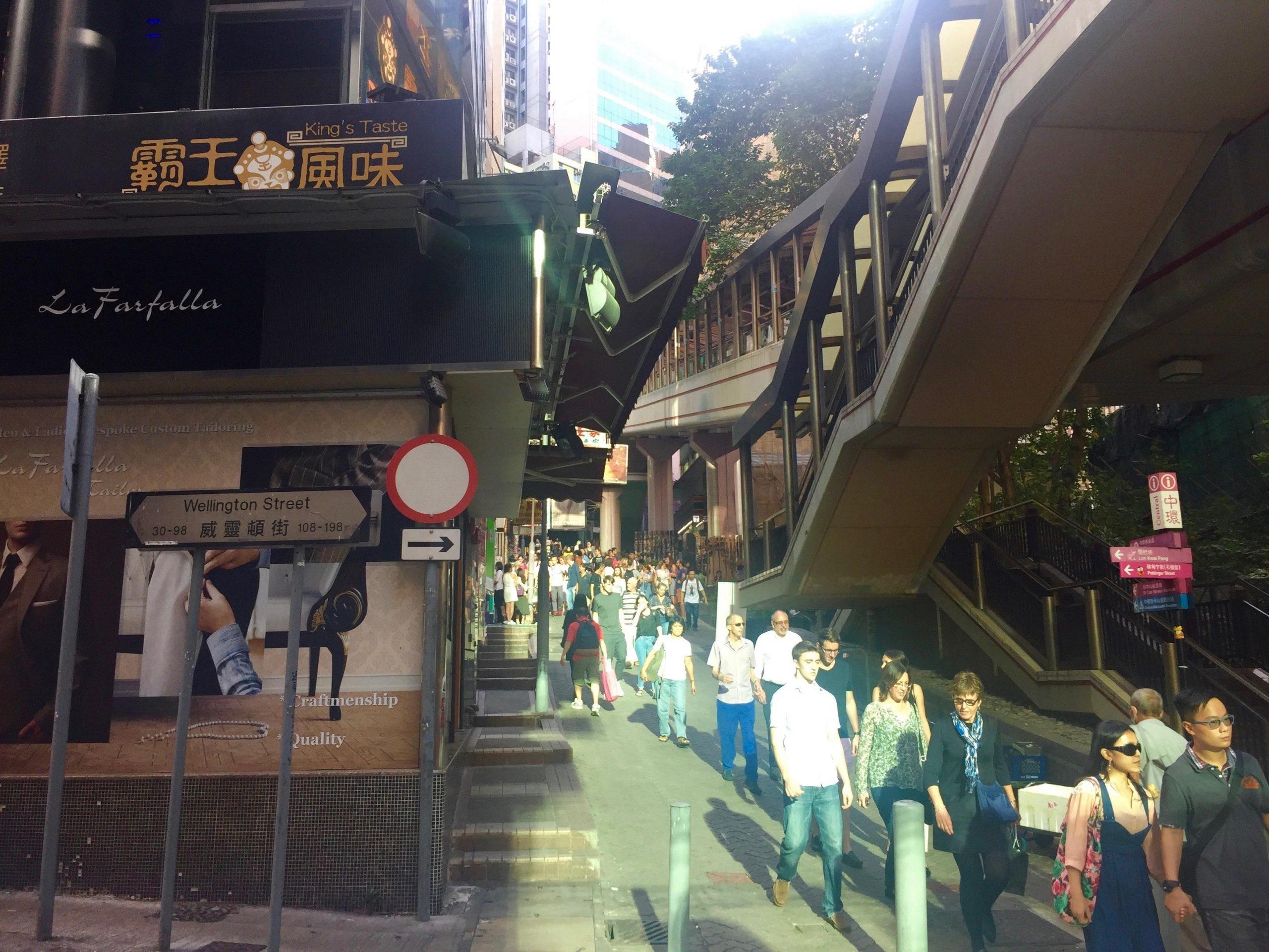 High traffic Takeaway Shop for Lease on Cochrane Street in Central HK