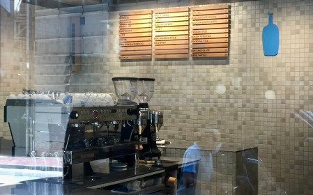 Hong Kong coffee lovers can taste the coffee locally brewed in shop