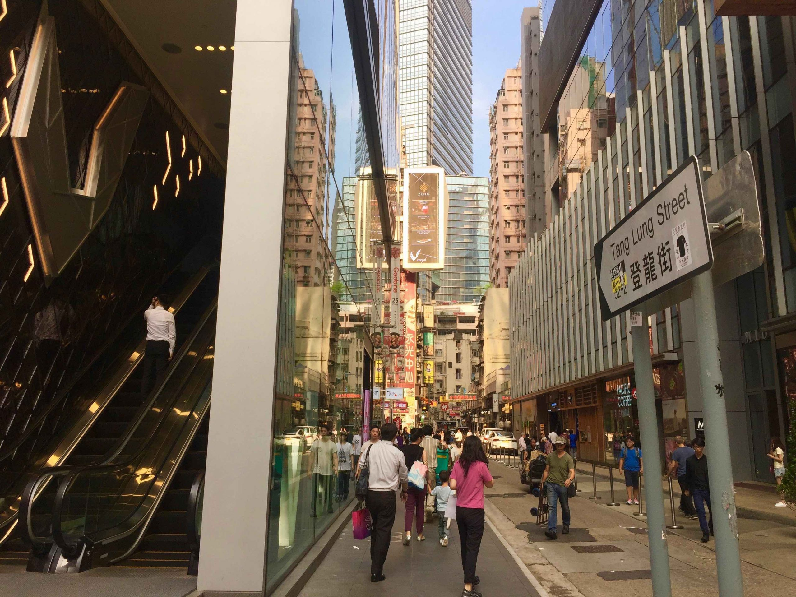 High-traffic FB Shop for Rent in Causeway Bay