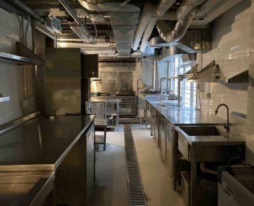 HK Central Upstairs Restaurant with full kitchen for Rent