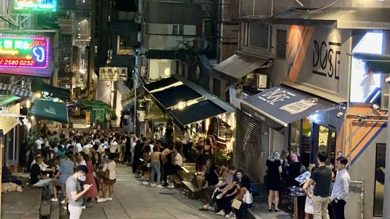 Number of HK Restaurants hit record high amid Pandemic. Why?
