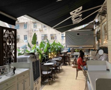 Central Restaurant with Flat-roof for Rent in HK