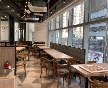 Asian Restaurant for rent with fitting equipment in HK