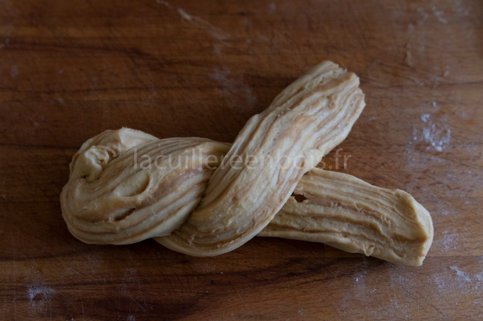 tressage de la babka au dulcey