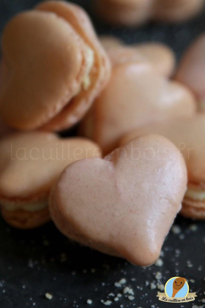 macarons framboise/bergamote en forme de coeur... il y a de l'amour dans l'air!