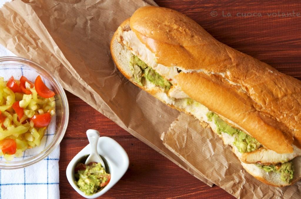 Jamie Oliver in 15 minuti: panino con pollo tikka e guacamole, buonissimo!