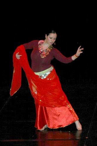 Considérer la danse orientale d'un point de vue artistique