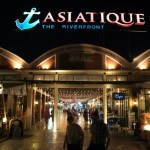 """The Asiatic Riverfront ' hot topic in Bangkok at night that enliven the night market"