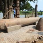 坐落在海岸的 nigrisagar 池塘 kanakamuni 佛和阿育王柱