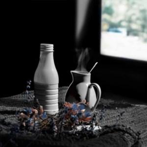 lait chaud en clair obscur