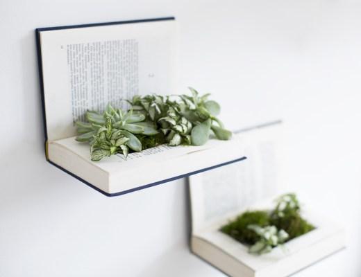 DIY recycler des livres en étagères végétales