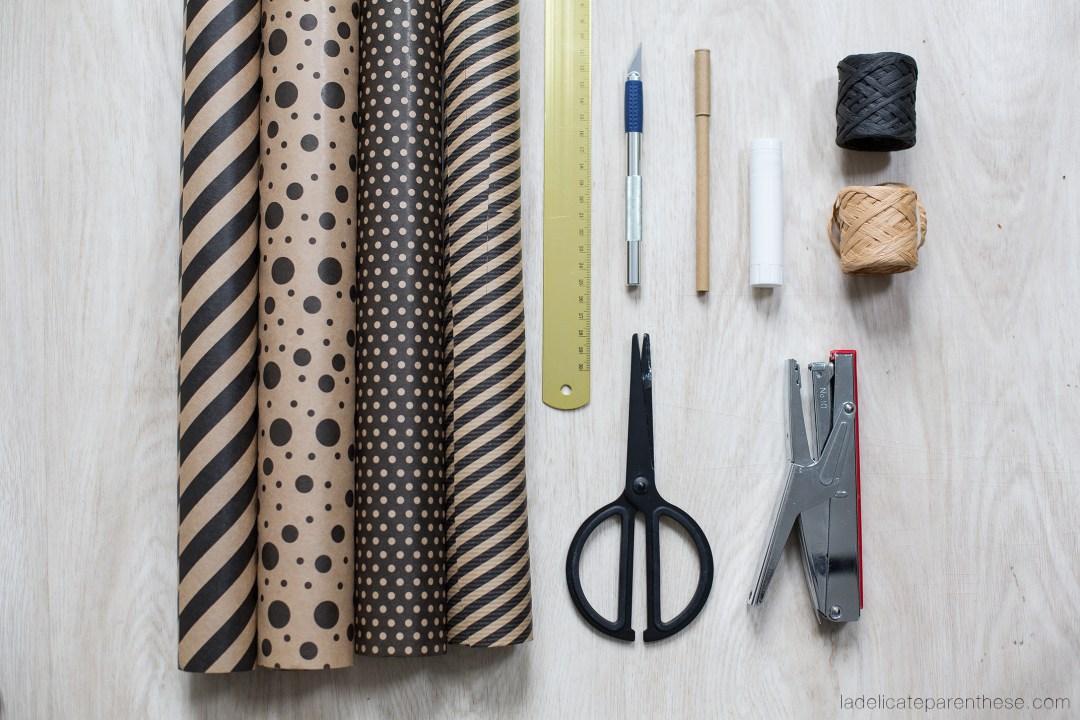 outils nécessaires à la création d ' étoiles en papier dans le sapin DO it yourself