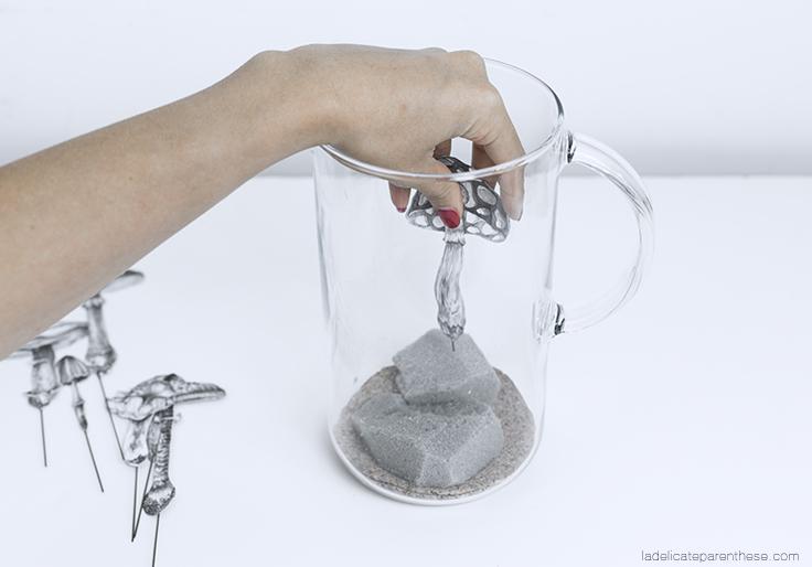 création DIY handmade et détournement carafe pour décoration cabinet de curisoité