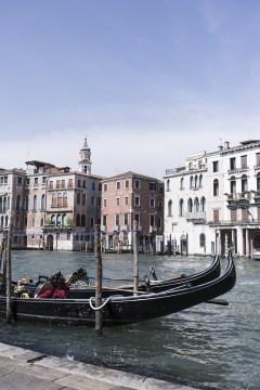 premier jour à Venise Découverte de la ville , gondoles sur la lagune