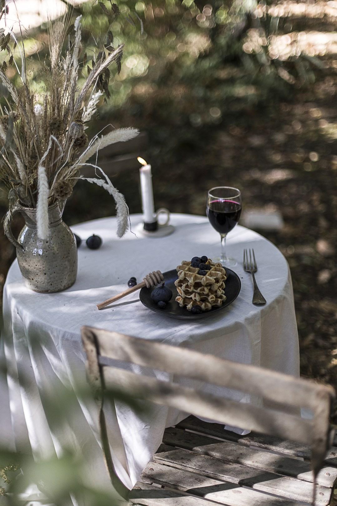 Dressage de table pour un diner romantique et automnale- shooting editoriel