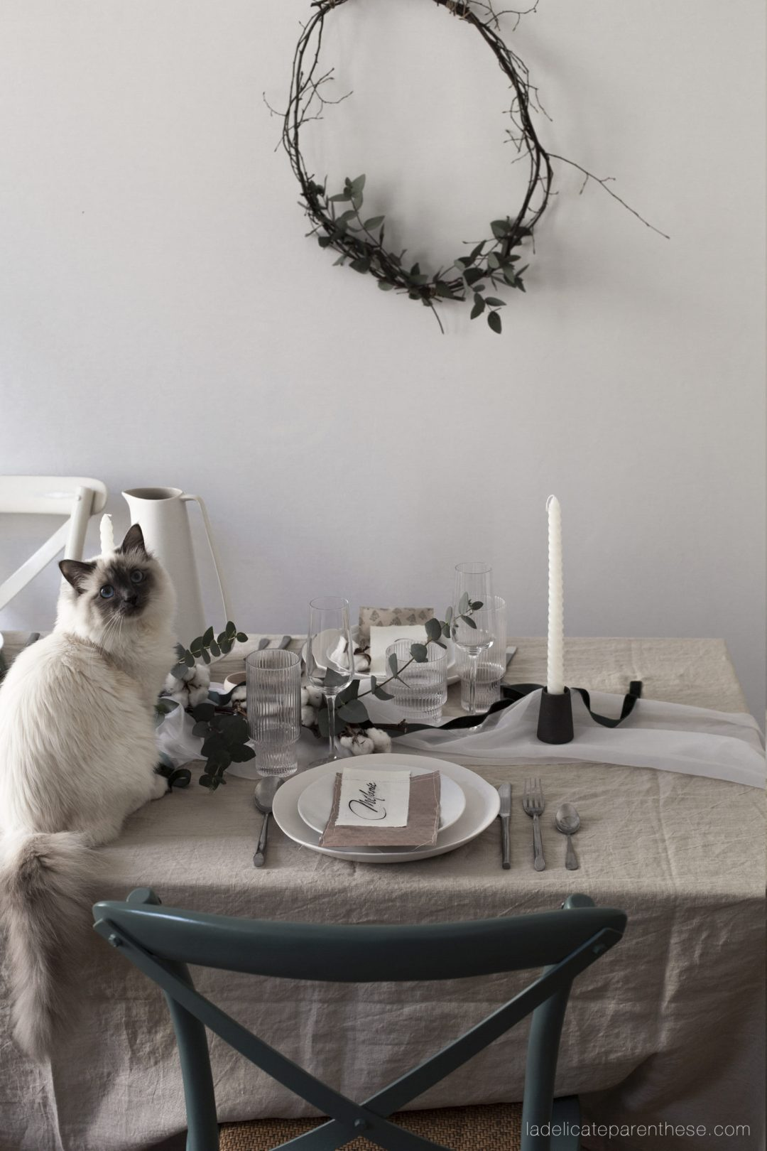 une table de noel up'cycling et zero dechets baby cat