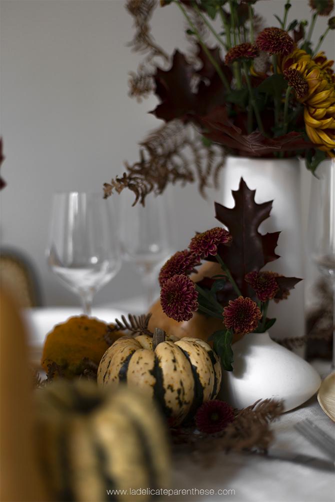 table automnale scenographie courge et citrouilles