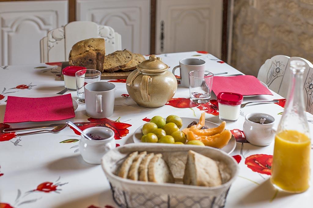 Petit déjeuner bio, chambres d'hôtes près de Jonzac