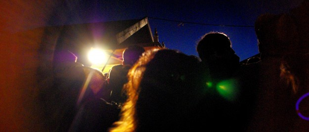 La queue aux guichets de Bibus à Brest. Astropolis 2013. Crédits La Déviation
