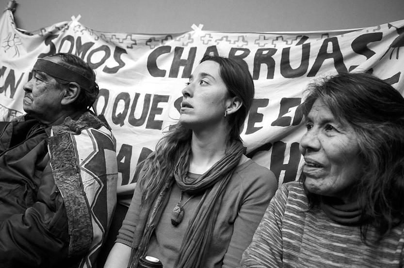 Debate entre académicos y el Consejo de la Nación Charrúa, el jueves en la Facultad de Humanidades.
