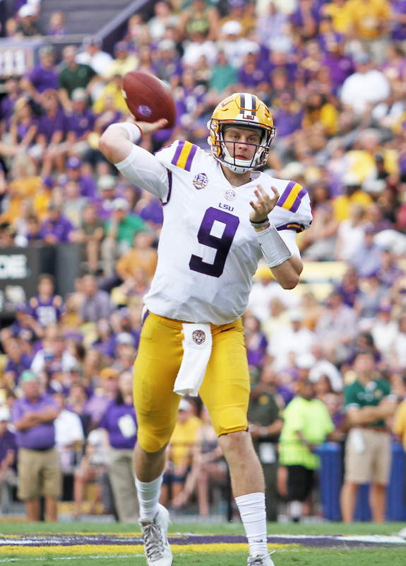 LSU quarterback Joe Burrow throwing a pass