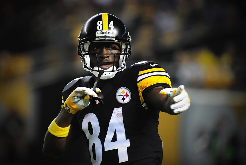 Wide receiver Antonio Brown
