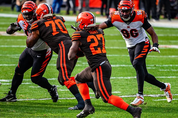 NFL Cleveland Browns running back Kareem Hunt carrying a pass against the Cincinnati Bengals