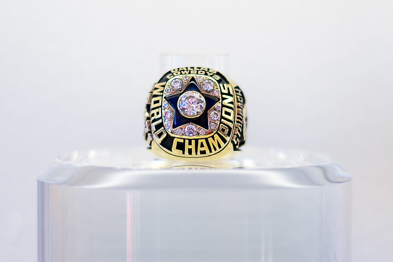 Dallas Cowboys World Champions Super Bowl Ring